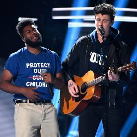1526868712_shawn-mendes-pays-tribute-to-victims-of-gun-violence-at-2018-billboard-music-awards